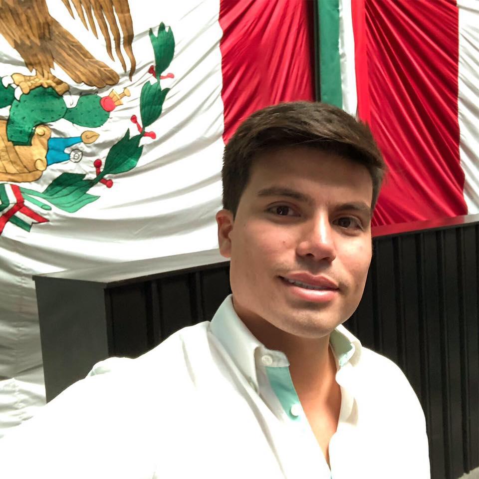 Gustavo Miranda incita a la política a entrar a la era millennial