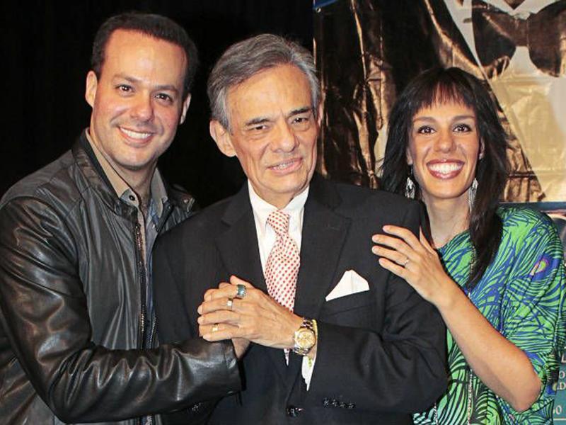 José Joel y Marisol exigen autopsia al cuerpo de su padre, José José