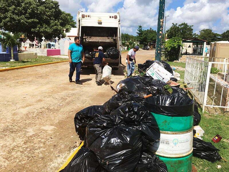 Exitosa recolección de desechos en celebración de Día de Muertos