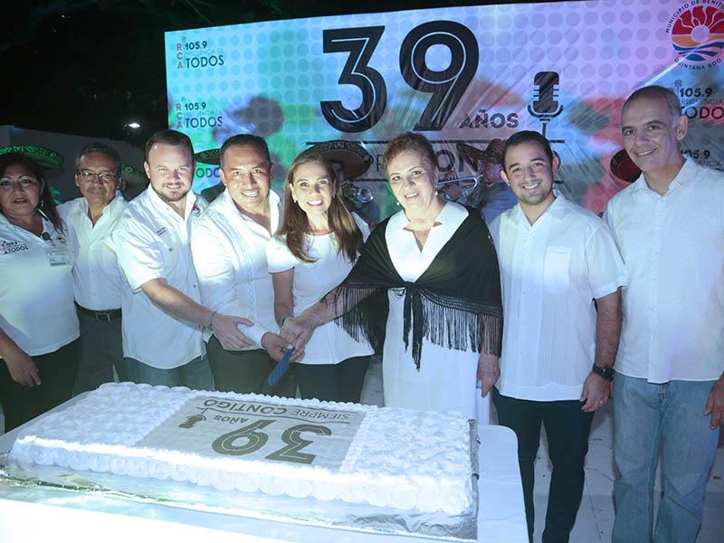 Festejan el 39 aniversario de Radio Cultural Ayuntamiento