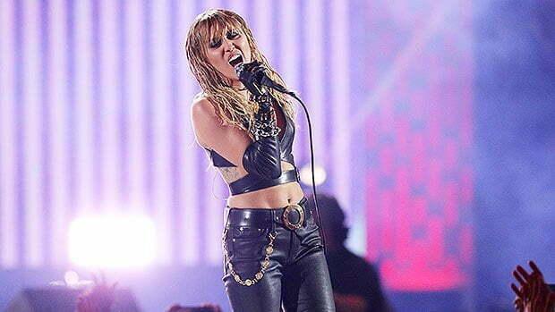 Operan a Miley Cyrus de las cuerdas vocales