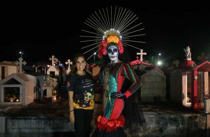 Mara fortalece tradiciones mexicanas en celebración del 'Día de Muertos'
