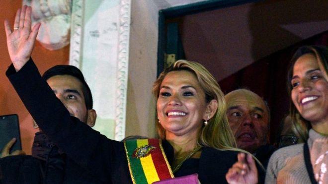 Mandataria de Bolivia critica a México por dar asilo al expresidente Evo Morales