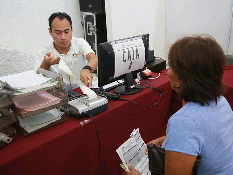 Ofrecen descuentos en multas y recargos en Cancún