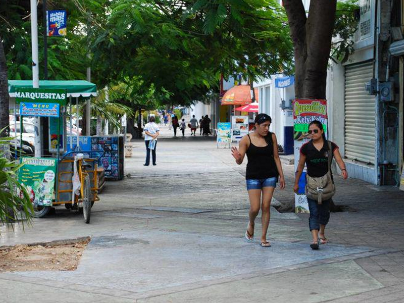 Hoteleros apoyan reactivación del centro de Cancún
