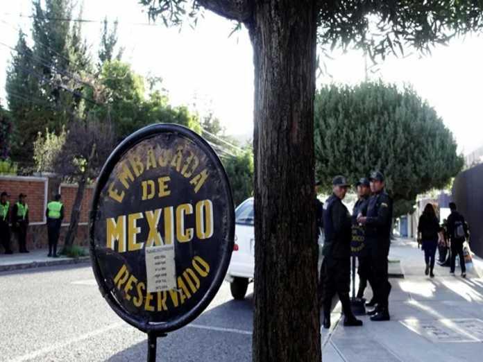 El Gobierno de Bolivia acusa injerencia de México en asuntos internos