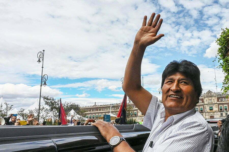 Evo Morales deja México con destino a Argentina