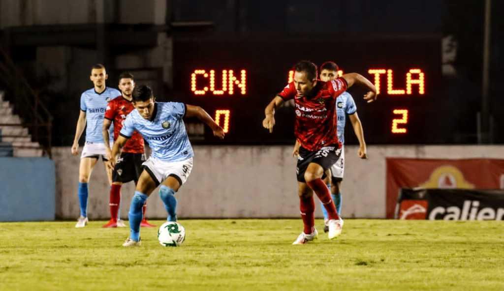 Cancún FC: La Ola Futbolera en la orilla