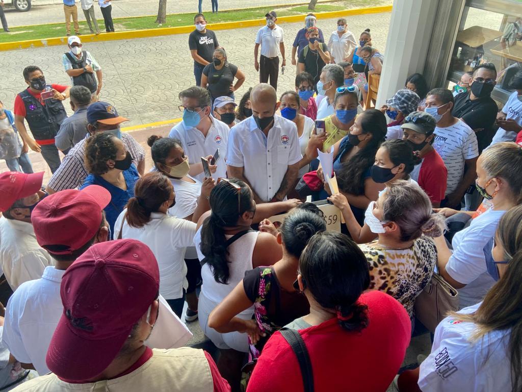 Habitantes de colonia irregular solicitan apoyo de las autoridades municipales