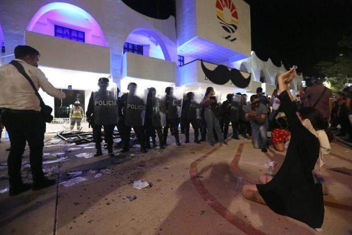 Manifestaciones o Violencia: Cristina Alcayaga